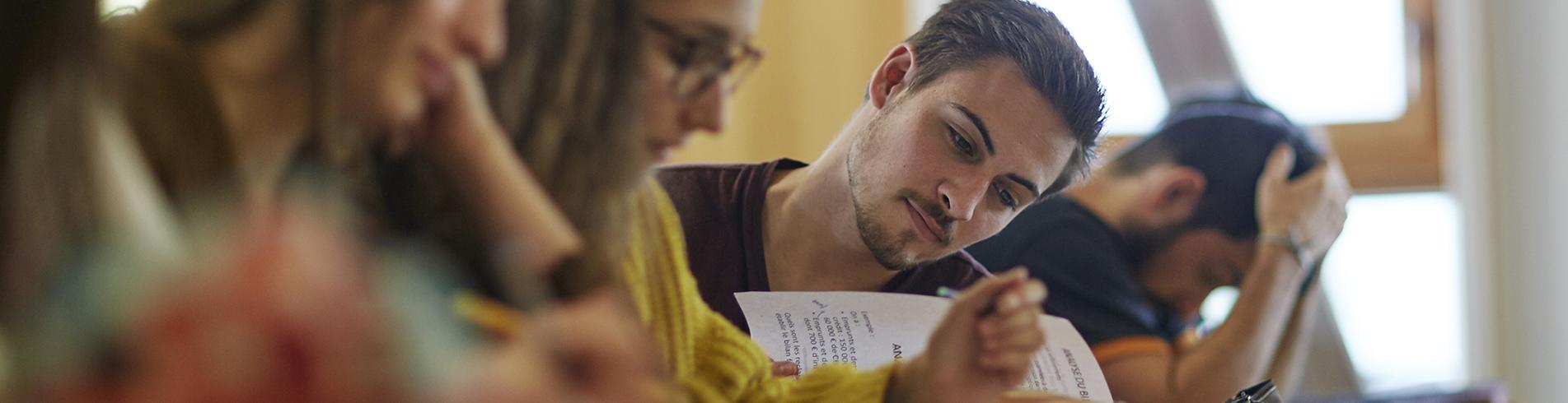 quatre étudiants en cours