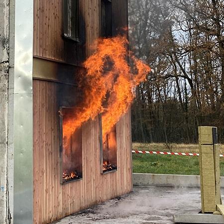 Essai LEPIR 2 propagartion du feu en facade construction bois